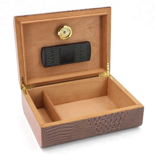 Medium Leather Cigar Humidor CH-0818